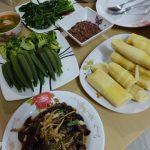 タイ嫁の今晩の晩ご飯は!こちら!!自然の恵み 筍をご紹介しますよ。