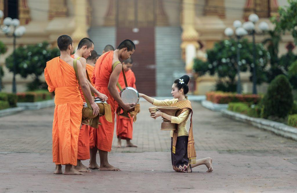 タイと日本の仏教は似て非なるも...